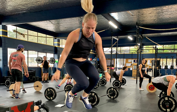 Female H1 CrossFit Box Jumps